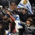 Luis Suárez fue recibido como héroe en Montevideo