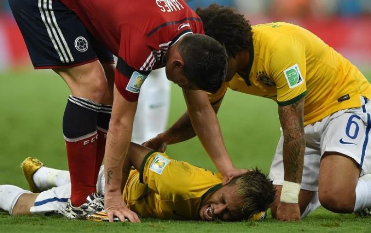 Neymar quedó fuera del Mundial tras rodillazo de Camilo Zúñiga | Deportes