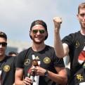 Selección alemana fue recibida por miles de fanáticos en el corazón de Berlín