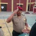 Condecoran a policía que salvó a perro de ser arrollado en la Panamericana Sur