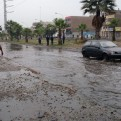 Los Olivos: aniego de grandes proporciones dificulta el tránsito vehicular