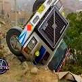 San Juan de Lurigancho: camión se volcó sobre vivienda