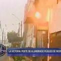 La Victoria: chispas de poste eléctrico generaron pánico entre vecinos