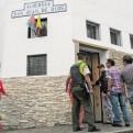 Los Olivos: anciana abandonada recibe ayuda y es llevada a albergue