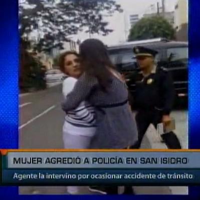 San Isidro: mujer en aparente estado de ebriedad agredió a policía