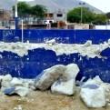 Chorrillos: vecinos se encadenan a losa deportiva para evitar demolición