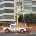 Miraflores: patrullero impactó contra poste de luz y tacho de basura