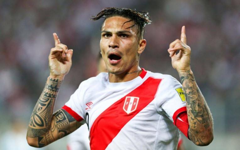 Boca Juniors está interesado en ficharlo, afirma FOX Sports — Paolo Guerrero