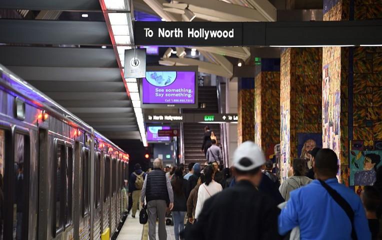 EE.UU.: refuerzan medidas de seguridad en Los Ángeles tras amenaza de atentado   Internacionales
