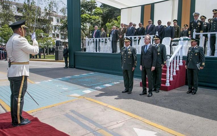Ministerio del interior oficializan ascensos en la for Ministerio del interior policia nacional