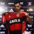 Miguel Trauco fue presentado en el Flamengo:
