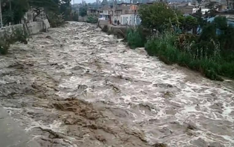 Huaico cayó en Santa Eulalia tras prolongadas lluvias — Lima
