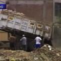 SJL: camiones arrojaron sucesivamente desmontes de basura al río Rímac