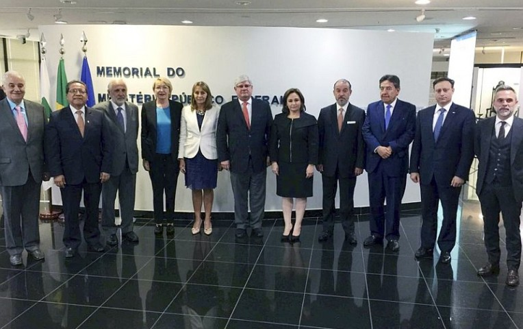 Raúl Cervantes viaja a Brasil para indagar caso Odebrecht