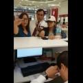 Mujer agredió a dos trabajadores de una agencia de telefonía