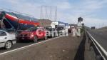 Vecinos de Pucusana bloquearon la Panamericana Sur - Noticias de puente peatonal
