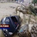 Cañete: auto cayó a quebrada y fue arrastrado por huaico