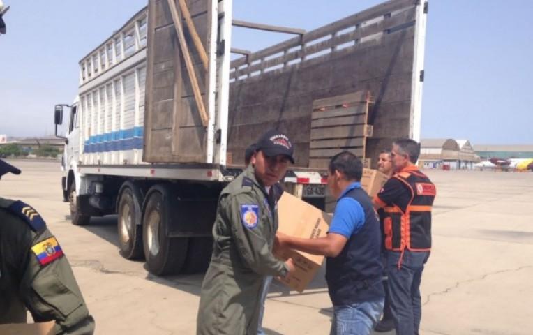 Ecuador entregó a Perú ayuda humanitaria para damnificados por los huaicos | Internacionales