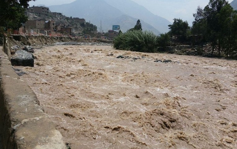 Río Rímac: restringen tránsito en tramo de la carretera Ramiro Prialé | Actualidad