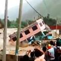 Facebook: video muestra cómo la fuerza del río Rímac trajo abajo una casa