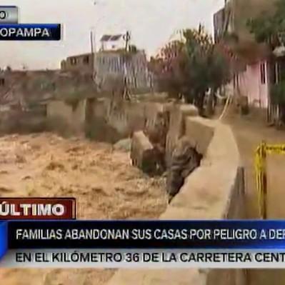 Chosica: muro de contención colapsa y evacúan a 15 familias
