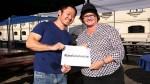 Fenómeno El Niño: Kenji Fujimori entregó donación a Nancy Lange - Noticias de ppk