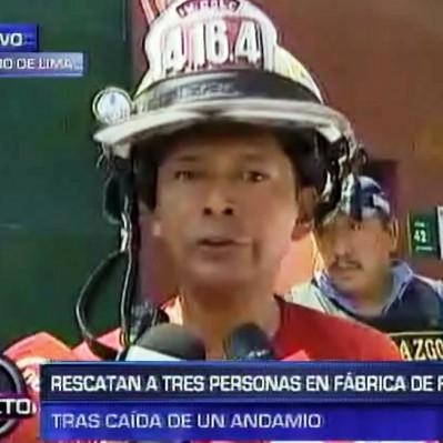 Cercado de Lima: tres trabajadores heridos tras caída de anaqueles metálicos