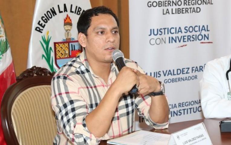 La Libertad: denuncian a Gobernador Regional que viajó a España en plena emergencia | Actualidad