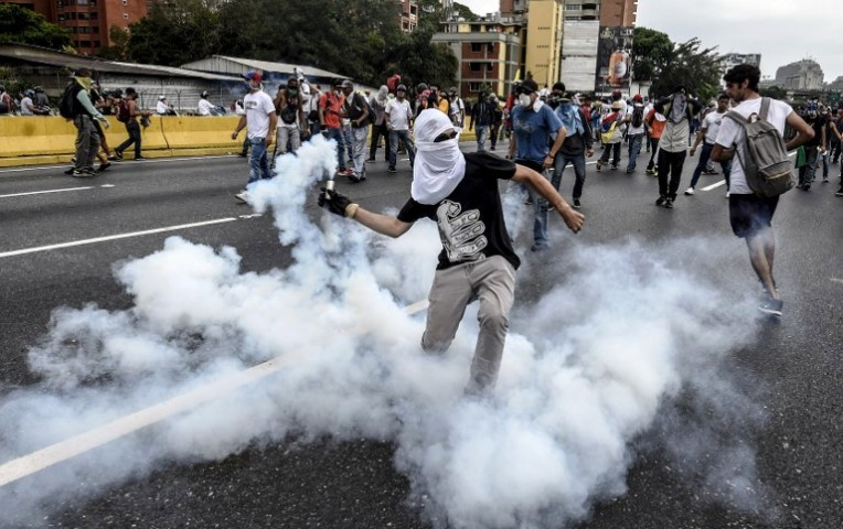 Venezuela: otro hombre murió baleado durante manifestación en Caracas | Internacionales