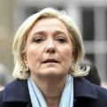 Francia: Le Pen lucha para desmentir los sondeos que vaticinan su derrota