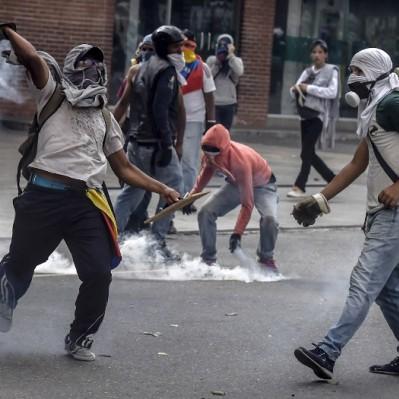 Venezuela: se eleva a 29 la cifra de fallecidos en protestas