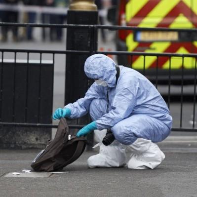 Londres: detienen a hombre con cuchillos cerca del Parlamento británico