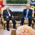 Trump se ofrece a facilitar paz entre israelíes y palestinos