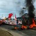 Iquitos: trabajadores de construcción civil bloquean carretera