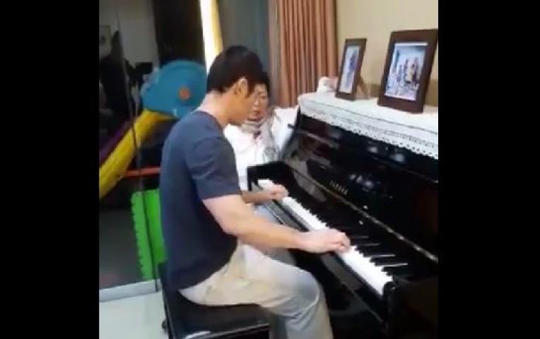 Kenji Fujimori: así tocó el piano para Susana Higuchi por el Día de la Madre   Actualidad