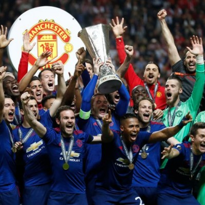 Manchester United venció 2-0 al Ajax y levantó la Europa League