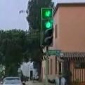 Jesús María: semáforo mal colocado genera confusión en conductores